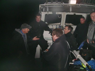 Dan briefs the divers on this deep dive.