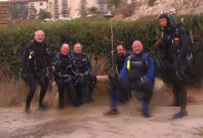 A group shot of the divers, minus Joe R.