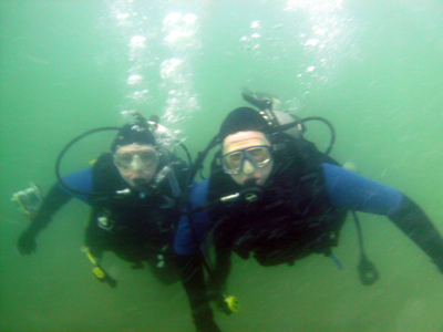 This is what Jill and Nick look like under water.