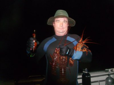 I am so macho!  I can hold all of my lobsters with one arm and a beer in the other!