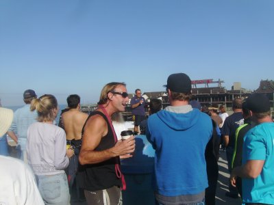 Tony, DM for Dive N Surf gives the pre-dive briefing;  everyone listens carefully.