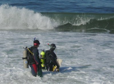 The waves posed a problem for inexperienced or non-macho divers.