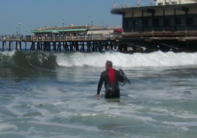 Dan from Divevets DMs the divers body surfing back to shore.