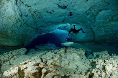 Australian Cave Diving