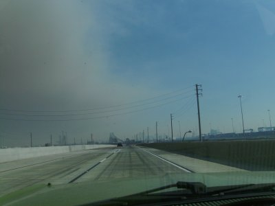 The divide between the horrible air and the extremely noxious air became apparent once crossing the bridge from San Pedro.